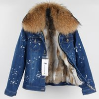 @sportsneakers 여성 모피 짧은 코트 큰 너구리 모피 칼라 + 토끼 모피 라이너가있는 닳은 청바지 자켓