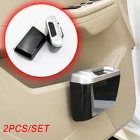 Pair La mini puerta del vehículo Polvo Caso de basura cubo de basura de residuos titular de la basura caja Bin Hook ajuste automático Accesorios Interior