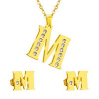빈티지 스테인레스 스틸 초기 알파벳 M 편지 쥬얼리 세트 크리스탈 골드 목걸이와 귀걸이 클래식 스타일을 설정합니다.