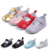 Baby Mädchen-Weinlese Prinzessin Schuh-Stickerei-Mokassins Leder Krippe Schuhe Erste Wanderer-Säuglingskleinkind-weich Sohle Anti-Rutsch-Schuhe für 0-18M
