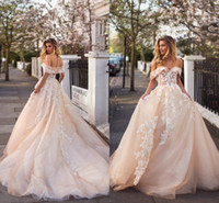 2019 Milla Nova Champagne Eleganti nuovi abiti da sposa collo nudo pizzo Appliqued Beach Country Wedding Abiti da sposa lungo Sweep Train