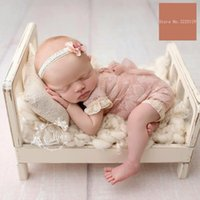 2018 Old Wood Bed Puntelli Fotografia Neonato Posing Baby Photoshoot Baskets Accessori Servizio fotografico Flokati Photographyprops