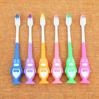 جميل لطيف الكرتون البطريق فرشاة الأسنان اللسان لينة فرشاة الأسنان فرشاة الأسنان اللسان للأطفال الطفل أطفال السلامة