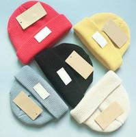 Cappello lavorato a maglia di alta qualità di marca maglia autunno / inverno beanie con berretti invernali all'uncinetto berretti cavo grosso 5 colori cappelli per bambini