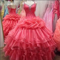 2018 New Luxurious Red Ball Gown Spaghetti Straps Ruched Quinceanera Dresses Crystals For 15 Years Sweet 16 Plus Size Prom Party Gown QC1026