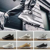 big sale 3ed35 87fa0 Nuevo Clásico Hombres Mujeres 97 Zapatillas de deporte Silver Bullet  Metallic Gold Men Sport Shoes Calidad