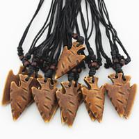 Mode Großhandel 12 TEILE / LOS Faux Knochen Geschnitzte Maori Tribal Speer Kopf Halskette Pfeilspitze Speerspitze Anhänger Halsband für männer frauen geschenke MN528