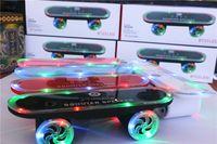2018 el más nuevo regalo de Navidad Skateboard Bluetooth Scooter Inalámbrico Altavoz de Audio Móvil Mini Altavoces Portátiles con Luz Led
