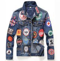 Nuovo arrivo di alta qualità giacca di jeans alla moda uomo spliced  distintivi ricamo 134d61e5b07a