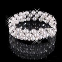 2019 Faux Pearl Bracelet Bridal Jewelry Accessori da sposa Evening Party Jewelry Donne Prom Party Jewelry Bridal Bracciale Mano ornamento.