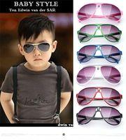 Kindersonnenbrille Baby Jungen Mädchen Modemarkendesignersonnenbrille Kindersonnenbrille Strandspielzeug UV400 Sonnenbrille Sonnenbrille D009