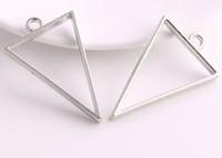 Il trasporto libero 100 pz / lotto argento antico triangolo amuleti colla vuota ciondolo vassoio in argento charms castone per risultati dei monili 25x39mm