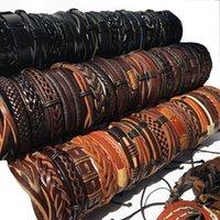 Оптовые оптовые партии 30 шт. / упак. BlackBrown Mix стили кожаные манжеты браслеты Мужские женские ювелирные изделия подарки (случайные 30 шт.) MX9