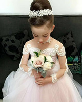 Sheer Back Manches longues Puffy Tulle Flower Girl Dress avec de la dentelle Broderie Princesse Girl Dress Robe de mariée