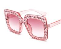 Высокое качество Классические квадратные солнцезащитные очки Rhinestone Diamonds Mens Womens Мода Солнцезащитные Очки Очки Розовые Стекло Линзы Аксессуары Оптовая
