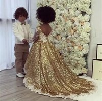 Paillettes oro 2019 Flower Girls Dress Maniche lunghe Flower Girls Gowns Avorio pizzo applique Lovely Girls Pageant Dress