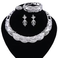Conjunto de jóias colar e brincos Define Designer Vintage Costume Mulheres Acessórios para casamentos Africano Cor Prata Jóias