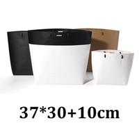 37cm * 30cm 37x30 cm abbigliamento biodegradabile per abbigliamento ecologico nero bianco in cartone kraft con manico in tote