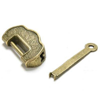 1 قطعة عالية الجودة الأثرية الصينية خمر العتيقة الطراز القديم قفل / مفتاح ممتاز النحاس منحوتة كلمة قفل 3.5 سنتيمتر * 1.7 سنتيمتر * 1 سنتيمتر
