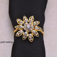 (J0428-mit Ring) 100pcs / lot Elegante Hochzeitsblume Strass Serviettenringe, Serviettenhalter, mit 40mm Ring, Silber oder Vergoldung