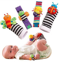 Chegada nova Sozzy Bebê Meninos Meninas Brinquedo Do Bebê Chocalho Animal Pé Localizador de Meias Alça de Pulso Macio Crianças Recém-nascidos de Pelúcia Meia