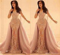 2018 formelle arabe Robes de soirée à manches longues en dentelle overskirts Crew Sheer Décolleté Appliques Vintage robe de bal avec train amovible