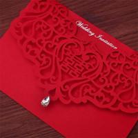 Vintage estilo chino ahueca hacia fuera invitaciones de boda Brides creativos Tarjetas de parejas de la cubierta roja Foil Stamping Chic Tarjeta de novia