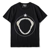 حار بيع 2018 جديد أزياء ماركة الرجال قصيرة الأكمام عارضة تي شيرت الرجال الخماسي القرش الأسنان نمط طباعة أزياء تي شيرت الرجل عارضة المحملة