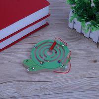 Nette Kinder Hölzerne magnetische Puzzlespiele Kinder Magnetstäbe Murmeln Labyrinth Schildkröte Labyrinth Spielzeug Kinder Intellektuelle Puzzle Board