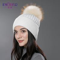 ENJOYFUR Mulheres chapéu de pele de inverno pompom chapéu de pele gorros  naturais malha de algodão 6ea1d7cfe10