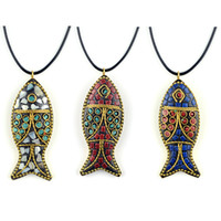 Los collares bonitos evaden el collar étnico de peces, piedras vintage, joyería de Nepal, collar de colgantes bodhi vintage hechos a mano.