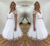 فساتين الزفاف الرباط قصيرة مع طول كم قصير V الرقبة مطرز الحزام والشاي خط شاطئ أثواب الزفاف حجم مخصص DH4150