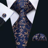 Snelle verzending Mens Tie Hankerchief Manchetknopen Set Donkerblauw Band met Gouden Bloemen Zijde Business Casual Party Stropdas Jacquard Woven N-5049
