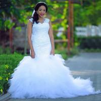 Robes de mariée de la sirène à col en V blanches sans manches avec dentelle applique robes de mariée Robe à glissière à glissière à glissière Rings de mariée sur mesure Robes de mariée 2018