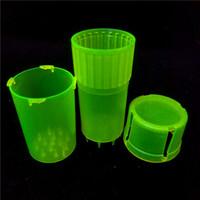 MOQ to 1 sztuka Med Container 3 części Mini plastikowe szlifiery Secure Twist Lock System Plastikowe Tanie Szlifierki ziołowe na sprzedaż