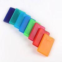 Neueste 20 ml Kunststoff Kreditkarte Form Taschenformat Flache Sprühflasche für Parfüm Frauen Kosmetische Einweg Zerstäuber Kappe Topf