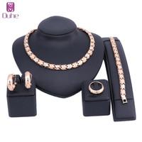 Dubai Sistemas de la joyería de moda para las mujeres perlas africanas conjunto de la joyería del color del oro traje de joyería nigeriano collar pendiente anillo