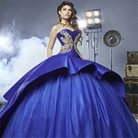 2018 Sexy Latest Luxury Detail Gold Bordado Vestidos de quinceañera con Peplum Masquerade Ball Gown Royal Blue Sweety 16 Party Prom Vestido