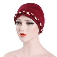 Sombrero de Chemo de la trenza india musulmán Gorro de la envoltura de la  cabeza del gorro Sombrero de la gorra del cráneo del turbante del algodón  para los ... cbe45f78636
