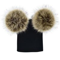 Оптовая продажа 7 цветов детей POM POM зимний вязаный шапочкой Фотография искусственная меховая шапка вязаная крышка зима открытый теплые шляпы с двойными меховыми шариками на вершине