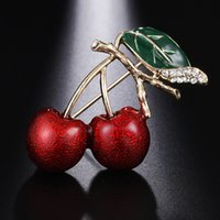 لطيف جميل الأوراق الخضراء الكرز بروش الأحمر قطرة النفط الصدار ارتداء اليومي للمرأة هدية