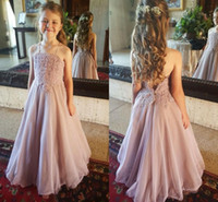 A buon mercato Dusty Pink Beach Country Flower Girls Abiti Halter Low Backless Organza Applique Lace Little Girls Prom Party Abiti 2018 Pageant Kid