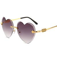 Kadınlar için tasarımcı güneş gözlüğü Kalp Güneş Gözlükleri Retro Aşk Kalp Şeklinde Gözlük Bayanlar Parti Metal çerçevesiz gözlük UV400
