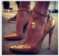 Seksi Bayanlar Metalik Kilit Dekor Ayak Bileği Coiled Bling Elbise Ayakkabı Altın Yılan Derisi Pompaları Stiletto Topuklu Sivri Burun Kadın Boyutu 45 Yüksek Topuk