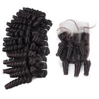 레이스 폐쇄 4 × 4 말레이시아 이모 펀미 헤어 로맨스 곱슬 머리와 무료 제품 폐쇄 조각과 이모 펀미 곱슬 인간의 머리 직조 3PCS