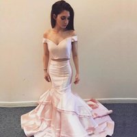 New Designer 2018 Prom Dresses Two Piece Mermaid Off the Shoulder Vestido de noite sem mangas Tiered Sweep Train Vestido de ocasião especial
