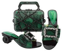 Moda mulheres verdes gatinho calcanhar 6.5cm com strass sapatos africanos corresponder ao conjunto de bolsa para GL02 vestido