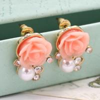 2018 новый милый жемчужный цветок серьги мода Роза серьги белый / зеленый / розовый ретро элегантный ГИПОАЛЛЕРГЕННЫЙ серьги розничная торговля