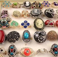 2018 Hot Sales Fashion Smycken Blandad 50 Style Averdrift Pearl Opal Turkos Gemstone Crystal Ring för kvinnor