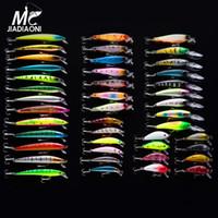 Minnow iscas 43pcs / lot Fly Fishing Lure Set China rígido Bait Jia Lure Wobbler Carp 6 Modelos Pesqueiro Atacado